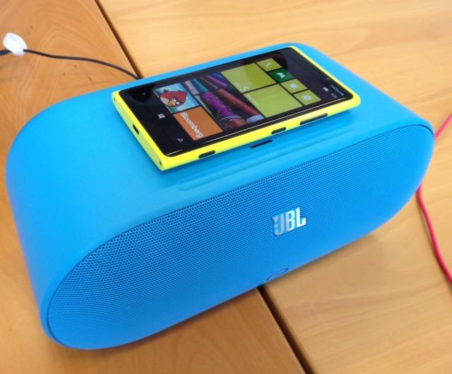 Nokia_Lumia_920_on_JBL